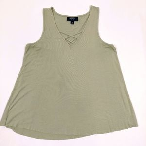 DAYTRIP OLIVE GREEN CRISS CROSS LOOSE TANK